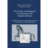 Ein Depot zerschlagener Grossbronzen aus Augusta Raurica....